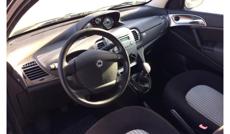 Lancia YPSILON 1.2 Gold 3p completo