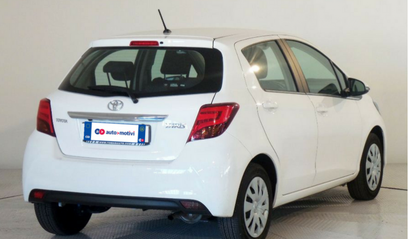 Toyota YARIS 1.0 Business 5p completo