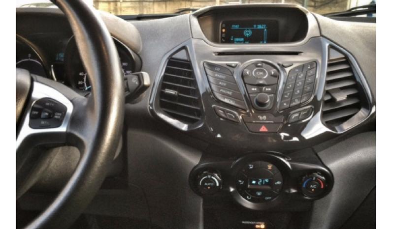 Ford ECOSPORT 1.5TD Titanium 90cv completo