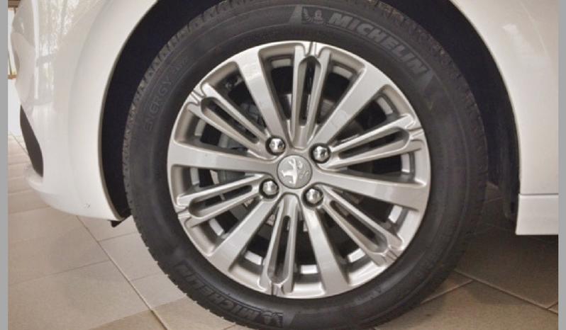 Peugeot 208 1.6 BlueHDI Active 75cv 5p completo