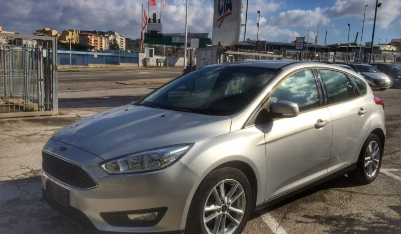 Ford FOCUS 1.5TD Business 5p 95cv completo